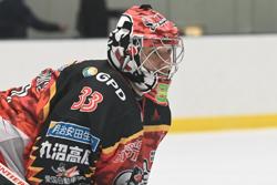 今季ベストGKに選ばれたオージンシュも契約を更新。来季で3季目となる